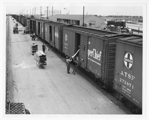 Atchison, Topeka & Santa Fe Railway Company yards, Clovis, New Mexico - Page