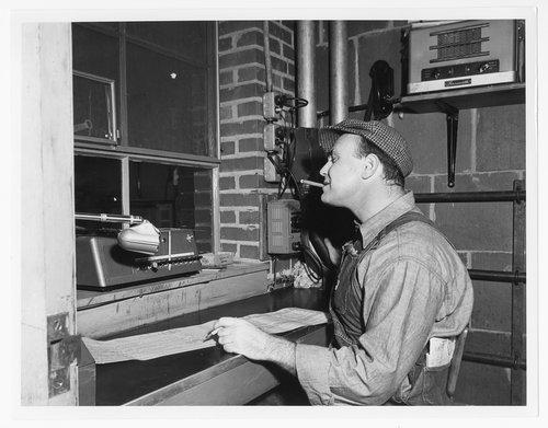 Atchison, Topeka & Santa Fe Railway Company hump conductor - Page