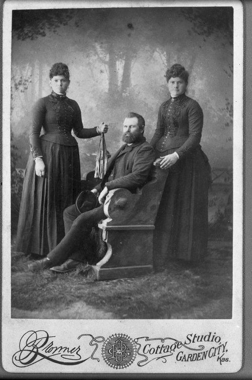 William, Ada & Lora McColl - Page