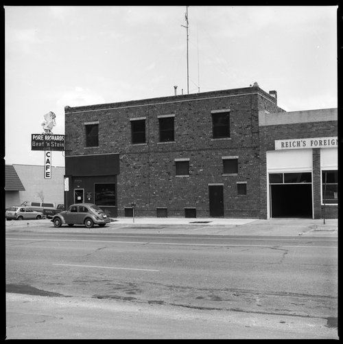 Pore Richard's cafe, Topeka, Kansas - Page