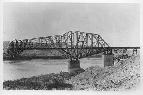 Atchison,Topeka & Santa Fe bridge, Topock, Arizona - Page