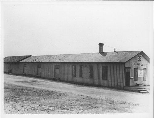 Atchison, Topeka & Santa Fe Railway Company freight station, Guthrie, Oklahoma - Page