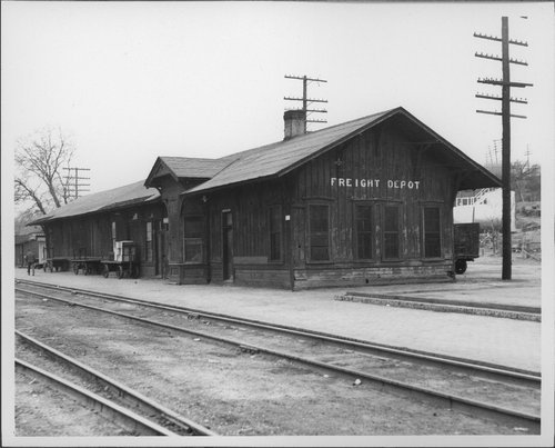 Atchison, Topeka & Santa Fe Railway Company freight depot, Purcell, Oklahoma - Page