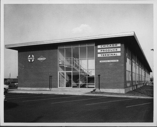 Atchison, Topeka & Santa Fe Railway Company produce terminal, Chicago, Illinois - Page