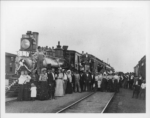 Atchison, Topeka & Santa Fe Railway Company's funeral train, Temple, Texas - Page