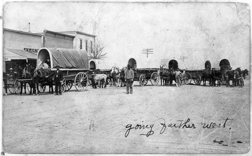 Covered wagons in Hoxie, Kansas - Page