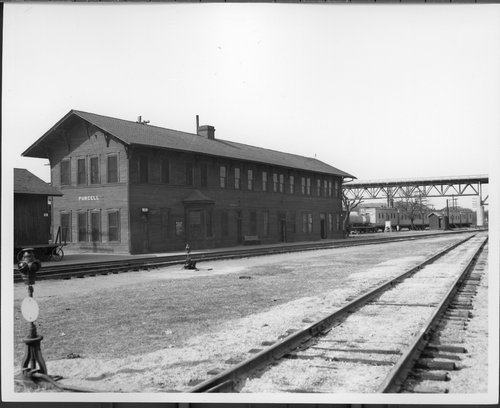 Atchison, Topeka and Santa Fe Railway Company station, Purcell, Oklahoma - Page