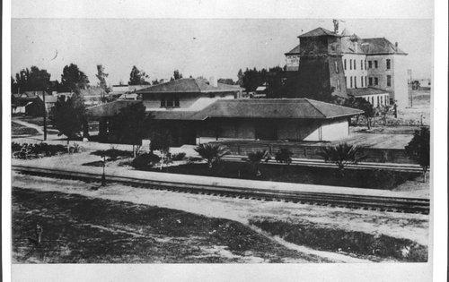 Atchison, Topeka & Santa Fe Railway Company depot, Reedley, California - Page