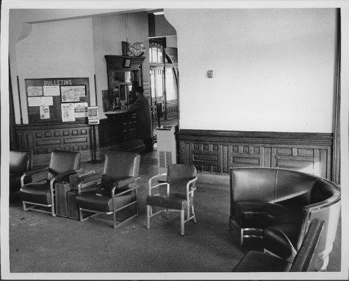 Atchison, Topeka & Santa Fe Railway Company depot, Galesburg, Illinois - Page