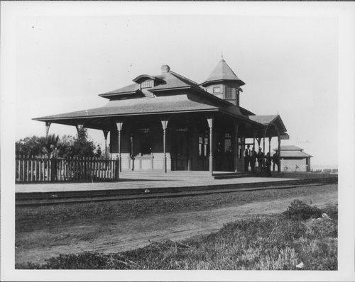 Atchison, Topeka & Santa Fe Railway Company depot, Inglewood, California - Page