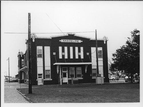 Atchison, Topeka & Santa Fe Railway Company depot, Marceline, Missouri - Page