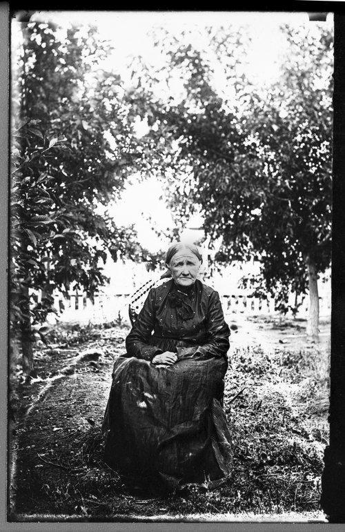 Sarah Ellen Sumpter Mosier, resident of Sheridan County, Kansas - Page