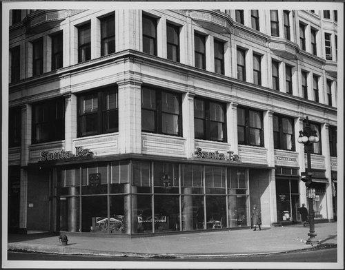 Atchison, Topeka & Santa Fe Railway Company ticket office, Chicago, Illinois - Page