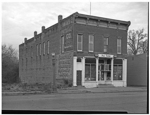 Pal's Tavern, Topeka, Kansas - Page