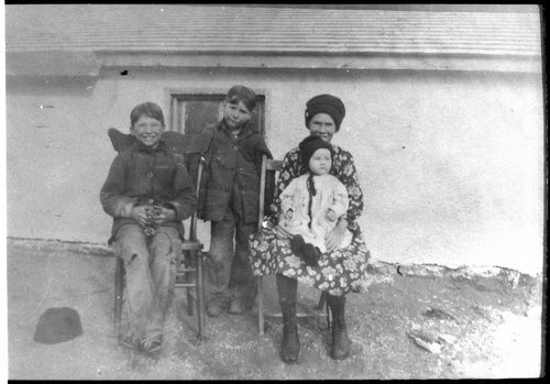 Frank Clare's family, Finney County, Kansas - Page