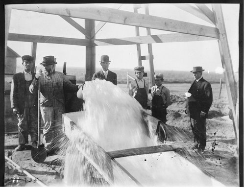 Irrigation pumping plant in Finney County, Kansas - Page