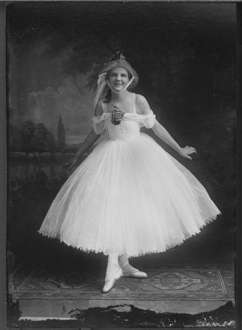Ballerina - Page