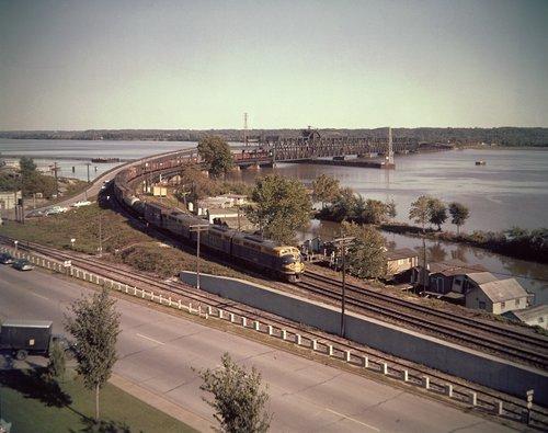 Atchison Topeka & Santa Fe Railway Company train, Fort Madison, Iowa - Page