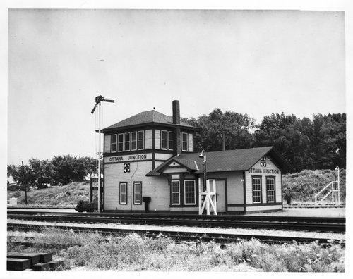 Atchison, Topeka and Santa Fe Railway Company tower Ottawa, Kansas - Page