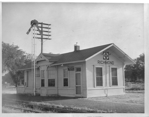 Atchison, Topeka, and Santa Fe Railway Company depot, Richmond, Kansas - Page
