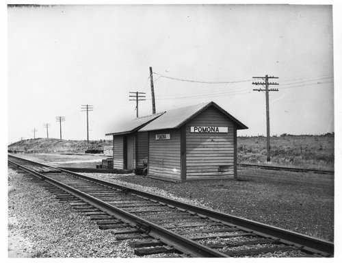 Missouri Pacific Railroad box depot, Pomona, Kansas - Page