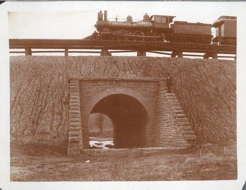 Atchison, Topeka & Santa Fe Railway Company's arch bridge - Page