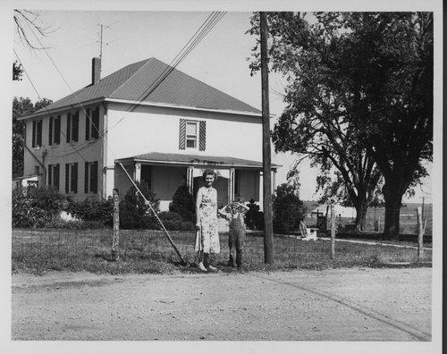 Modern Silkville home, Kansas - Page