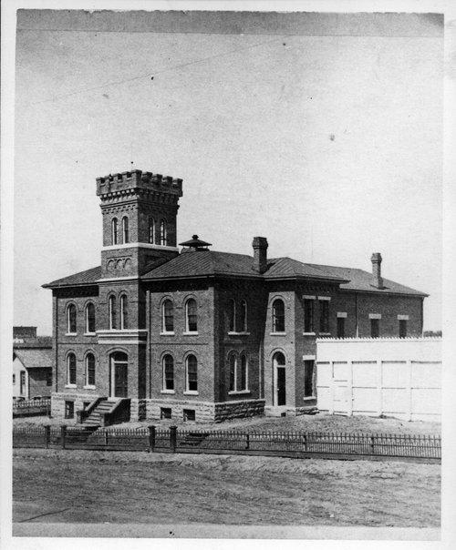 Leavenworth jail, Leavenworth, Kansas - Page