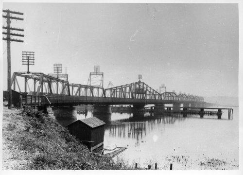 Atchison, Topeka & Santa Fe Railway Company bridge, Fort Madison, Iowa - Page