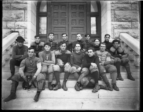 Members of the football team of Fairmount College