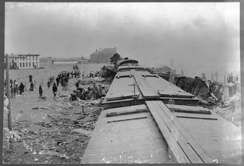 Chicago, Rock Island and Pacific Railroad wreck near Liberal, Kansas - Page