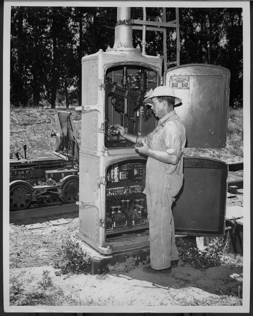 Atchison, Topeka & Santa Fe Railway Company's signal maintainer - Page