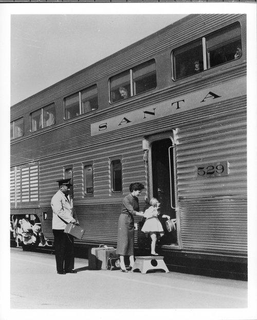 People boarding the El Capitan passenger train - Page