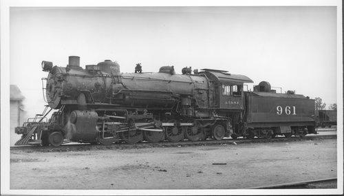 Atchison, Topeka & Santa Fe Railway Company's steam locomotive #961 - Page