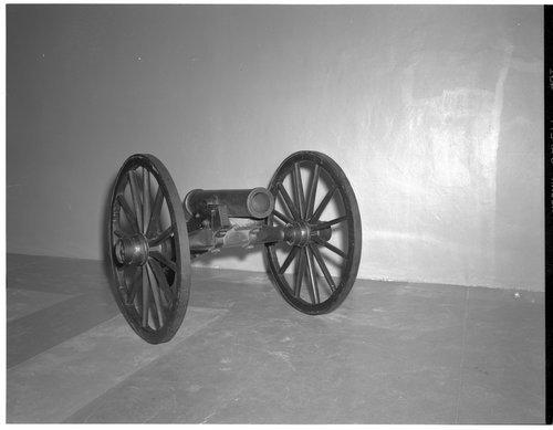 Abbott Howitzer - Page