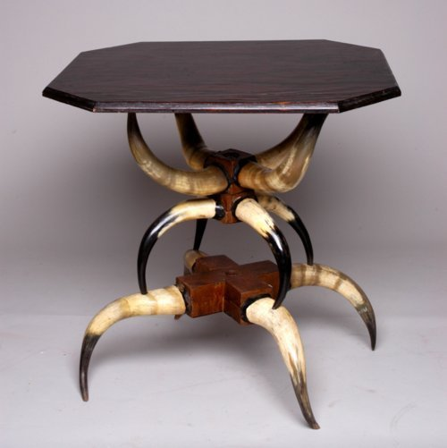 Horn table - Page
