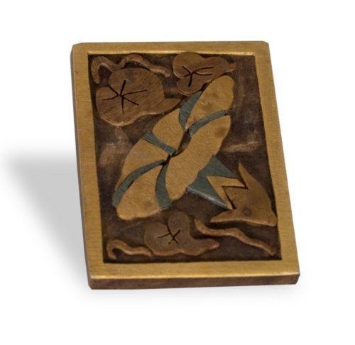 Woodcut pin - Page