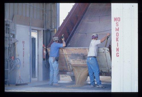 Marion grain elevator, Marion, Kansas - Page