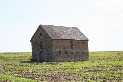 Dennis Tietjens' barn near Robinson, Kansas - Page