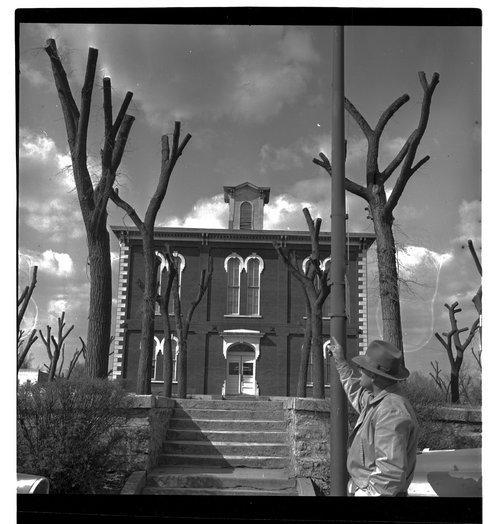 Jefferson County courthouse in Oskaloosa, Kansas - Page