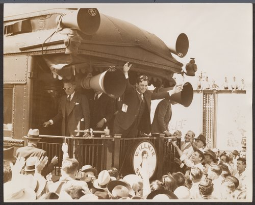 Wendell Willkie campaigning in Pittsburg, Kansas - Page