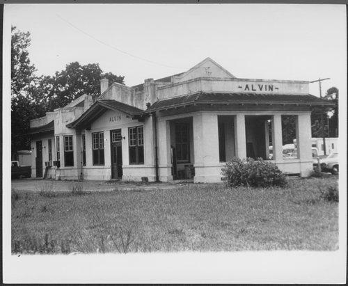 Atchison, Topeka and Santa Fe Railway Company depot, Alvin, Texas - Page