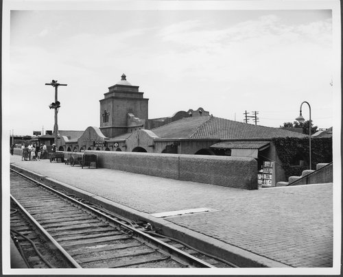 Atchison, Topeka and Santa Fe Railway Company depot, Albuquerque, New Mexico - Page