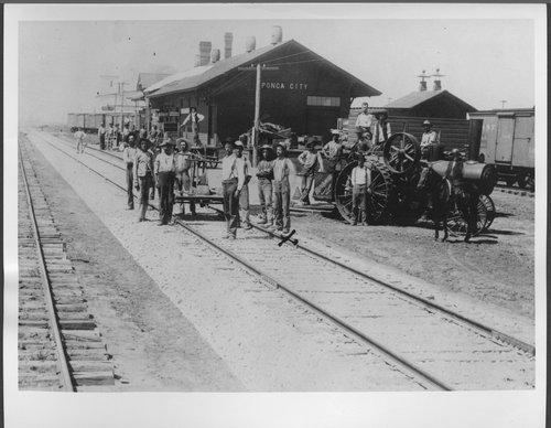 Atchison, Topeka & Santa Fe Railway Company depot, Ponca City,Oklahoma - Page
