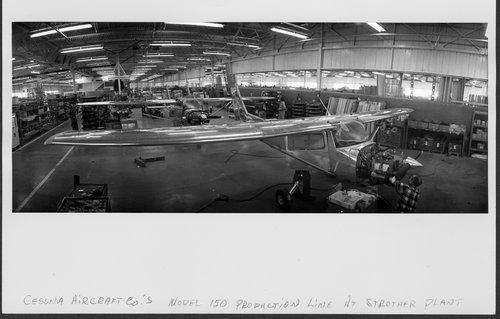 Cessna aircraft assembly Line, Wichita, Kansas - Page