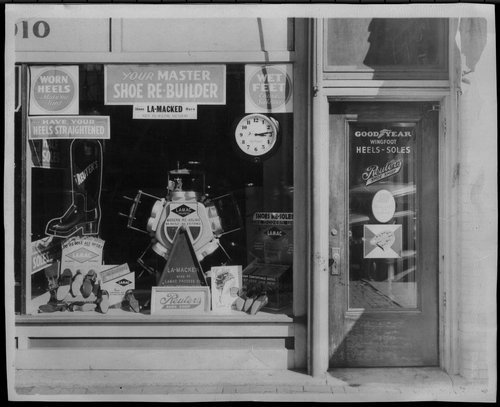 Reuter's shoe shop in Topeka, Kansas - Page