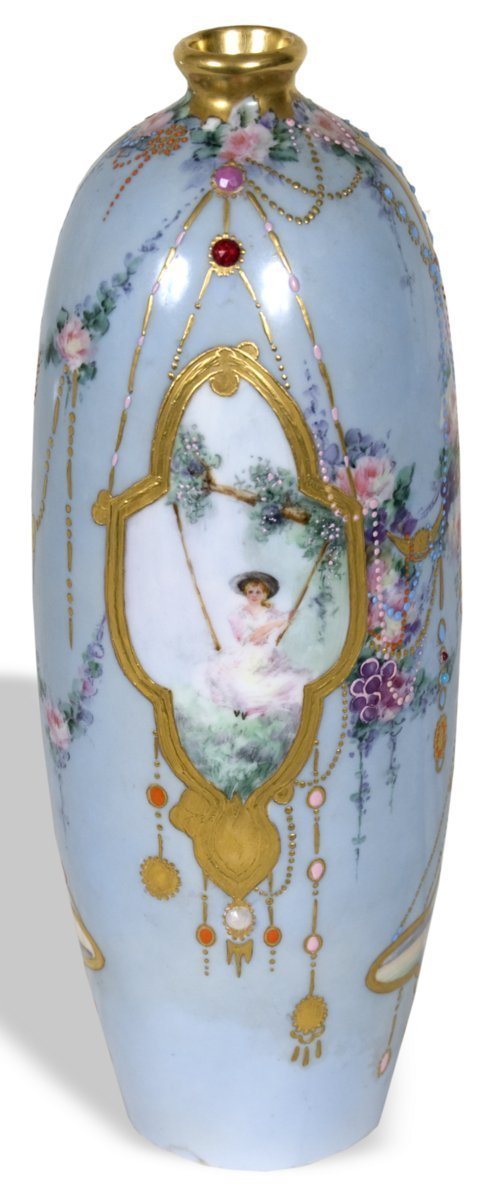 Hand-painted vase - Page