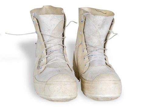 Uniform boots - Page