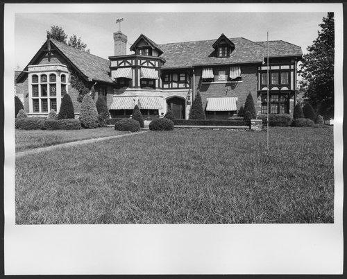 Menninger Clinic Halfway Houses in Topeka, Kansas - Page