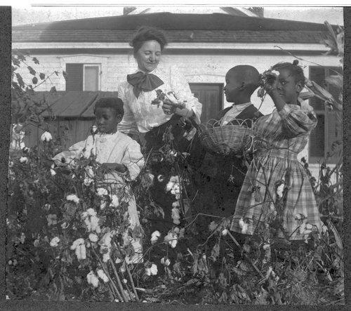 Children in Sheldon's Tennesseetown kindergarten, Topeka, Kansas - Page